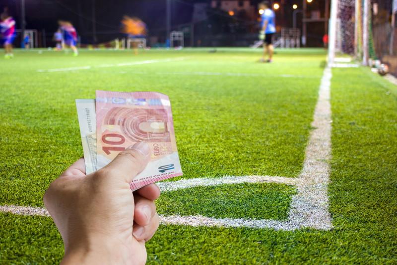 試合にお金を賭ける